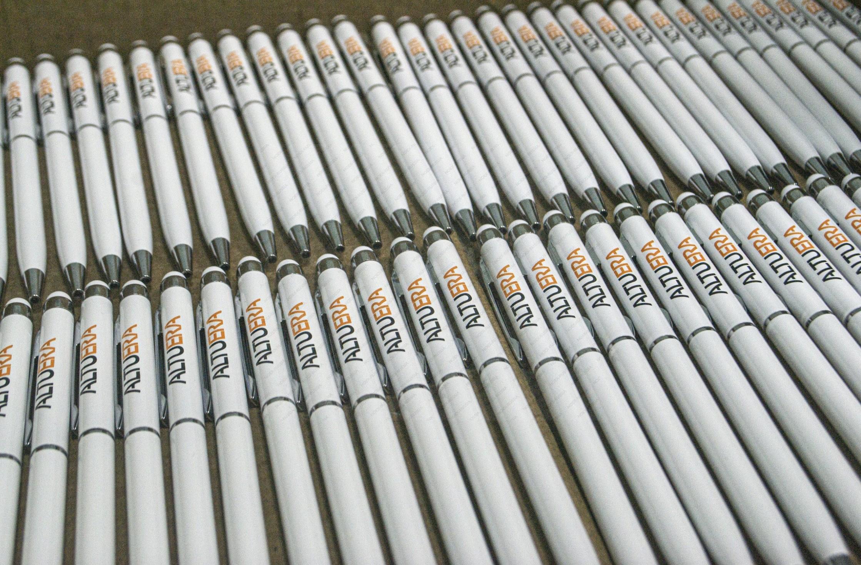 Тампопечать на белых ручках
