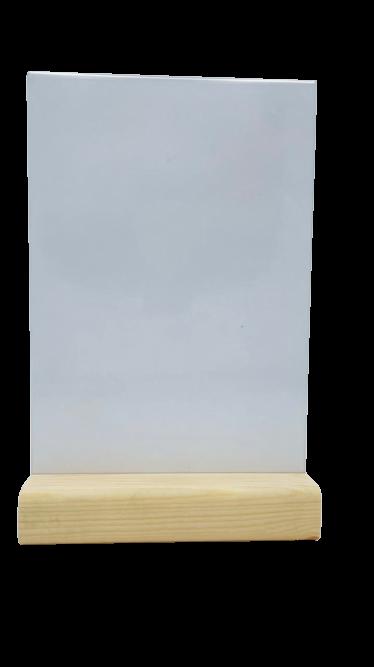 менюхолдер на треугольном деревянном основании